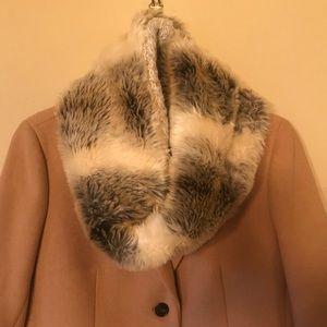 Accessories - Faux Fur scarf!